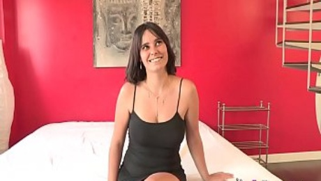 Ultimate MILF Natalia had unfinished business: She wanted to fuck skinny Kendo
